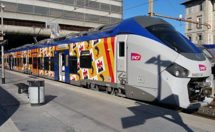 Train SNCF adhésive
