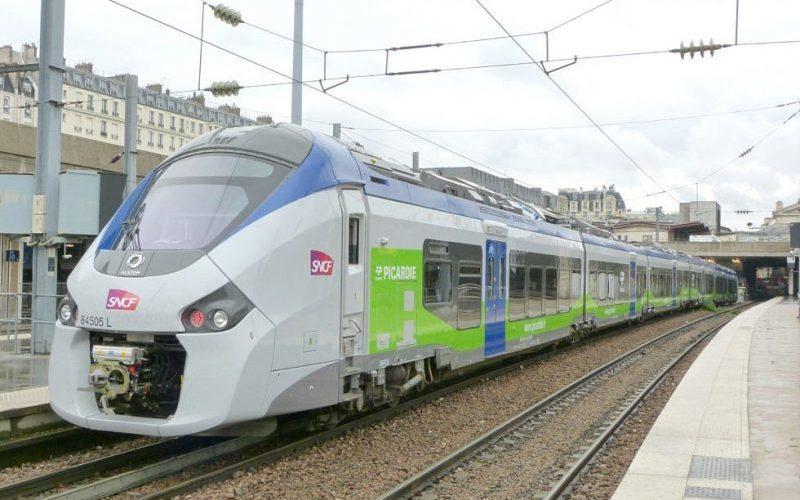 Train SNCF adhésivé Picardie